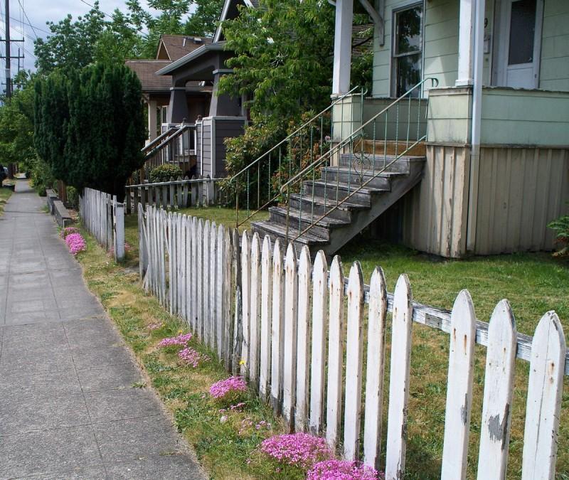 Как сделать деревянный забор своими руками: чертежи, схема
