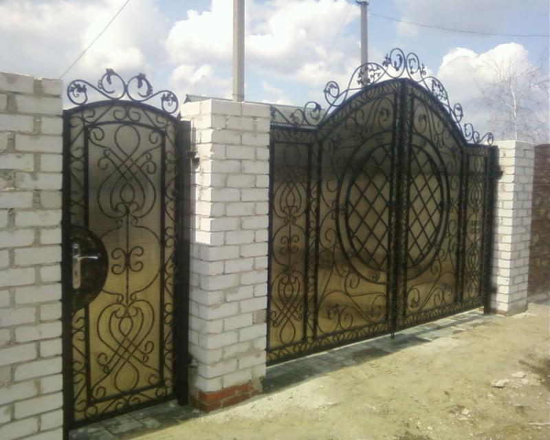 Эскизы ворот из профнастила с элементами ковки