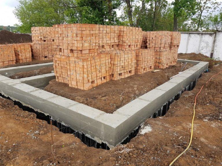ленточный фундамент цена за куб