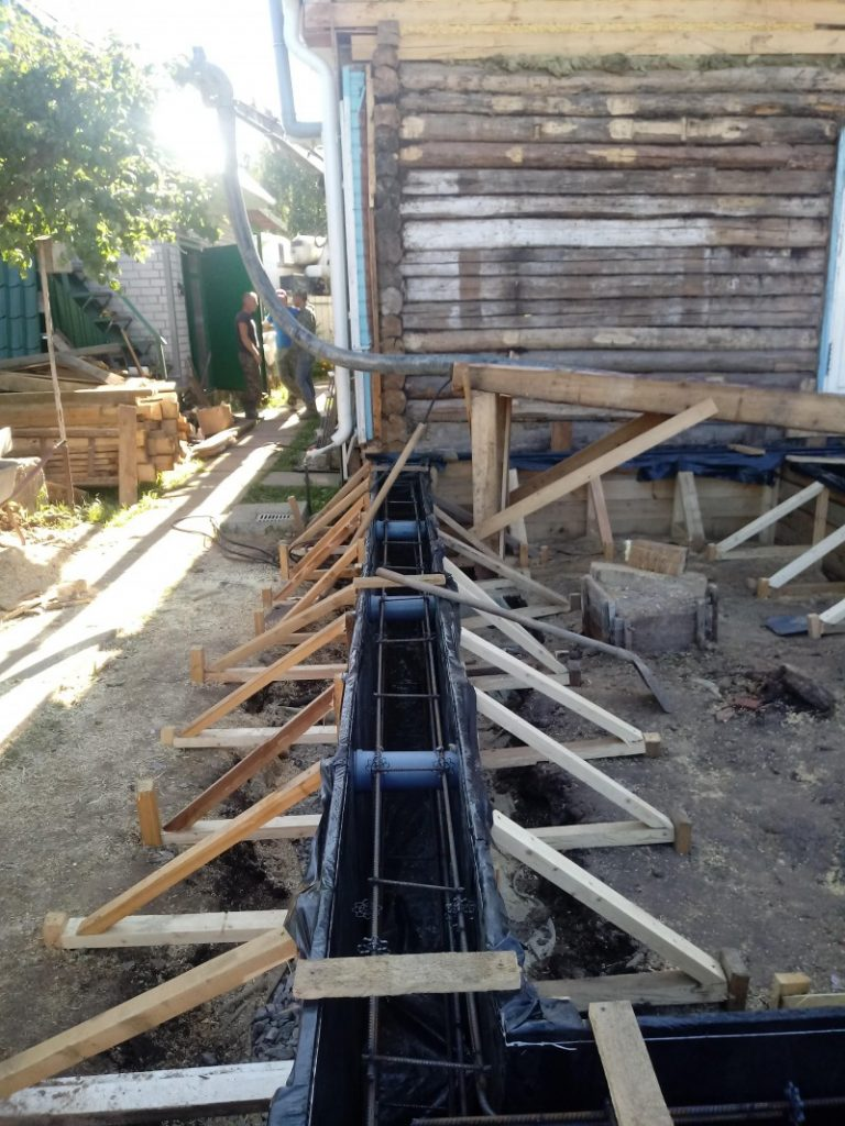 заливка фундамента для пристройки к дому